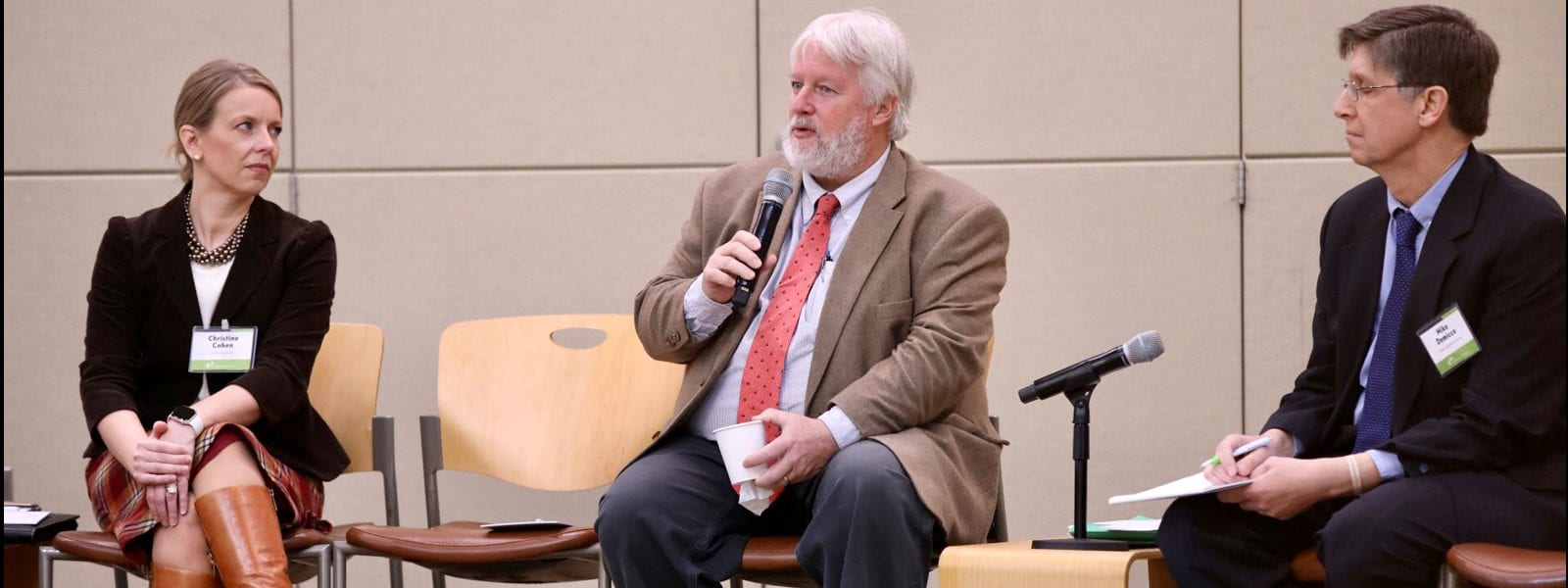 SEN. Miner Discusses State's Business Climate, Conservation and Energy Innovation at CBIA Event